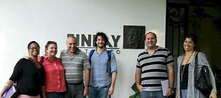 Fabrizio Chiodo al centro con colleghi cubani