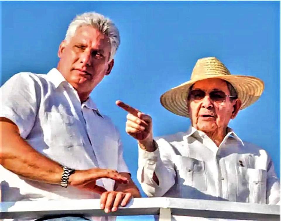 Diaz Canel e Raul Castro